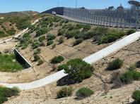 Пентагон выделил миллиард долларов на строительство стены на границе с Мексикой