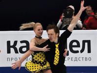 Россияне Евгения Тарасова и Владимир Морозов лидируют в соревнованиях спортивных пар на чемпионате мира по фигурному катанию в японской Сайтаме