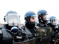 """По данным префектуры полиции, 17 сотрудников правоохранительных органов и 42 манифестанта получили ранения. В остальных городах, включая Лилль, Марсель, Тулузу, акции """"желтых жилетов"""" прошли практически без инцидентов"""