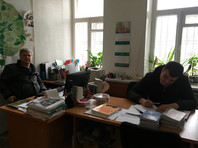 """В московском отделении партии """"Яблоко"""" полицейские ищут экстремистскую литературу про реновацию"""