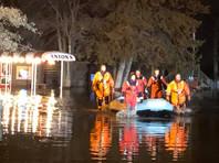 Из-за внезапного наводнения посетителей ресторана в Миннесоте вывозили на лодках
