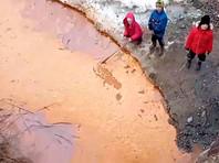 В страдавшем зимой от смога башкирском Сибае новый сюрприз: река Карагайлы стала оранжевой