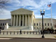 Верховный суд США разрешил Белому дому ужесточить выдачу грин-карт предполагаемым нахлебникам