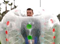 """Футболисты """"Рубина"""" провели тренировку в огромных надувных шарах"""