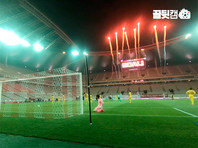 """В воскресенье футбольный клуб """"Сеул"""" провел свой первый домашний матч чемпионата Южной Кореи по футболу, стартовавшего на фоне ослабления в стране пандемии коронавируса"""